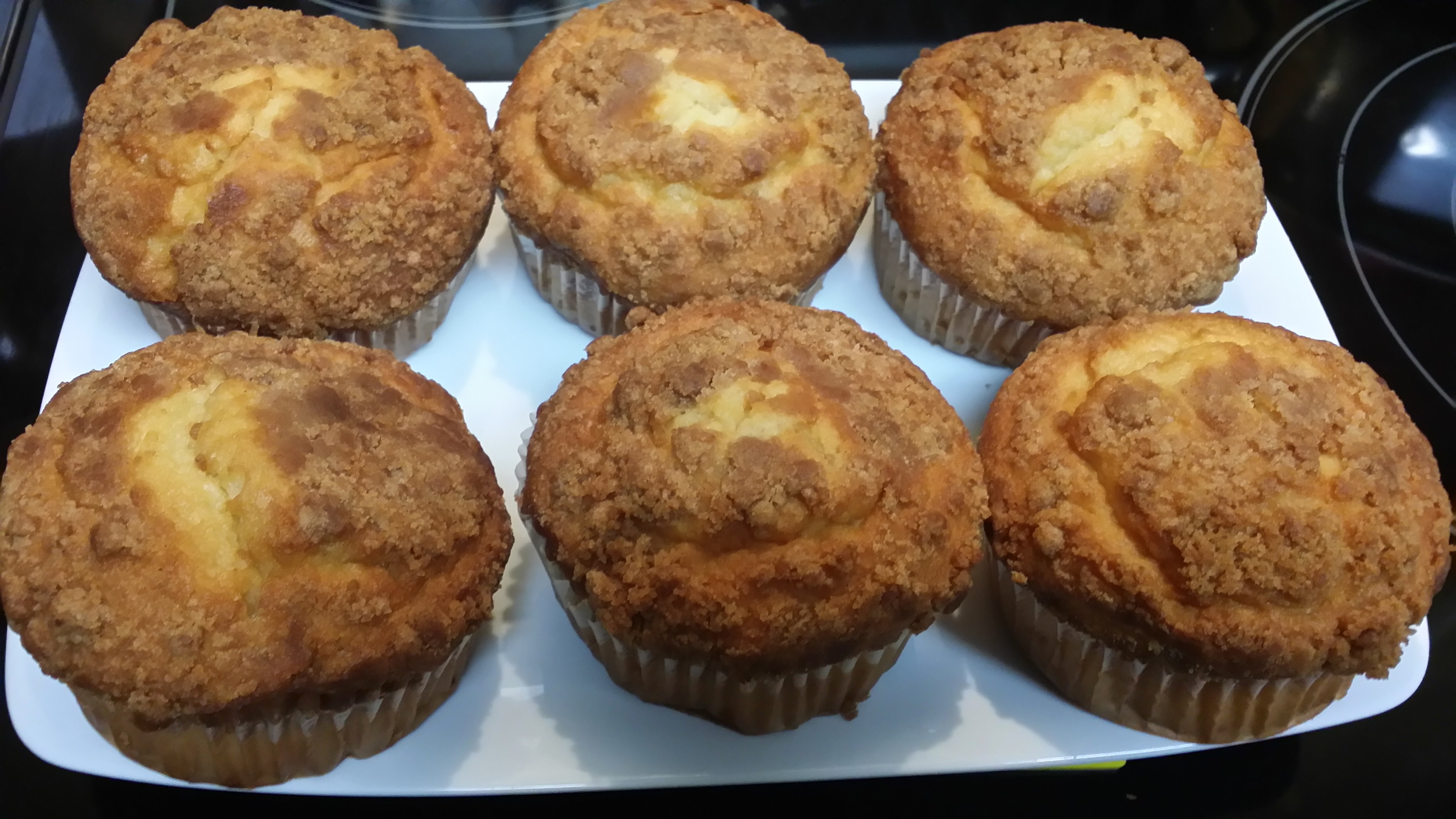 Giant : Almond Muffins,Double chocolate Muffins ,Lemon ...